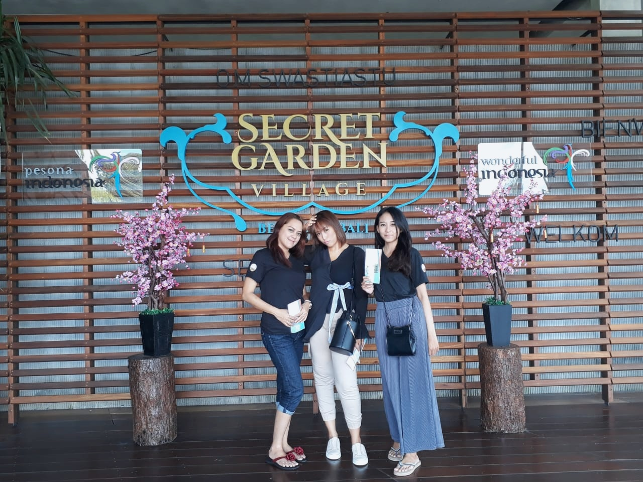 Outdoor Act - Secret Garden Village - Lobby