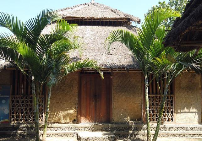 Desa Sade - Sade Village - Traditional House